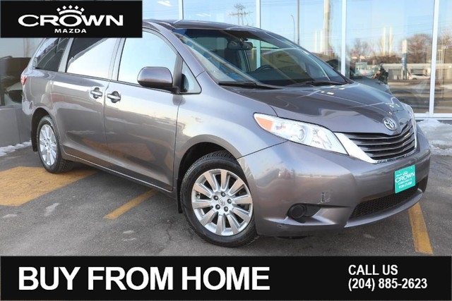 Pre-Owned 2015 Toyota Sienna LE 7-Pass AWD **Accident Free**