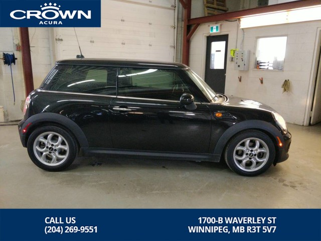 Pre-Owned 2013 MINI Cooper Hardtop Hardtop **Panoramic Sunroof** Leather**